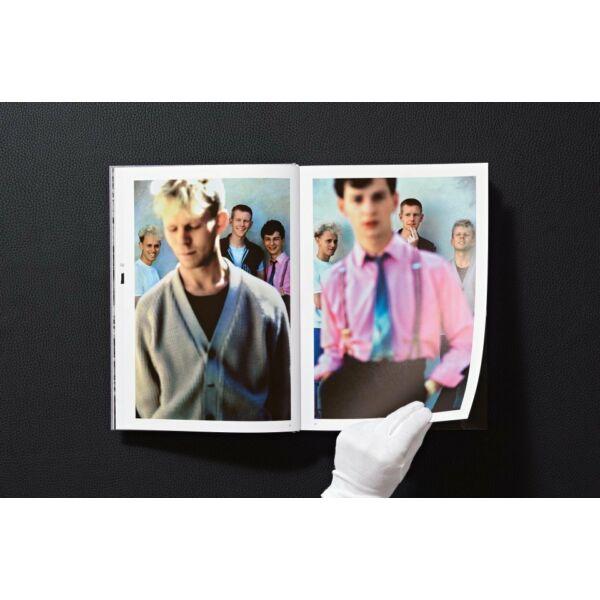 depeche-mode-by-anton-corbijn-fotoalbum-konyv